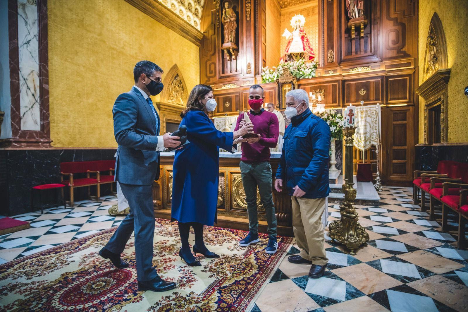 La Hermandad entrega a Cáritas el XXVIII Premio de La Paz a los Valores Humanos